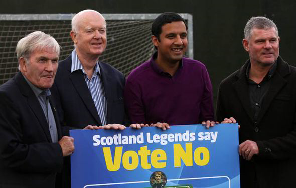 Scottish football players against the referendum.