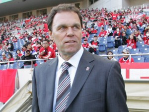 Osieck steps into Socceroos' hotseat