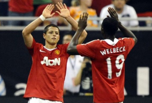 Welbeck vs. Hernandez - Who deserves to partner Rooney?