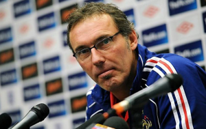 Laurent Blanc holding on at PSG