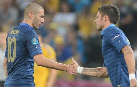Allez les bleus! Troubled France secures playoff place