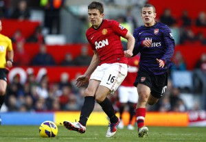 Michael Carrick signs new one-year deal at Manchester United
