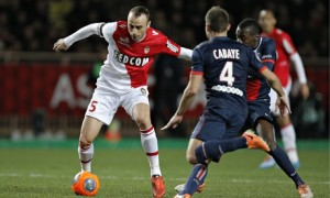 Video: Dimitar Berbatov scores an acrobatic volleyed goal for Monaco