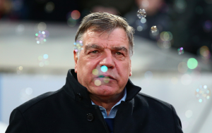 Stick or twist? West Ham's dangerous managerial decision