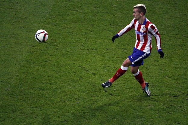 Manchester United or Chelsea could make the signing of the summer in Griezmann