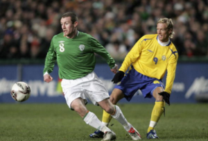 Ex-Ireland international Elliott signs on at Shelbourne
